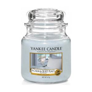 Yankee Candle A Calm & Quiet Place - Świeca Średnia